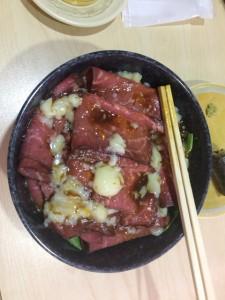 くら寿司 ローストビーフ丼